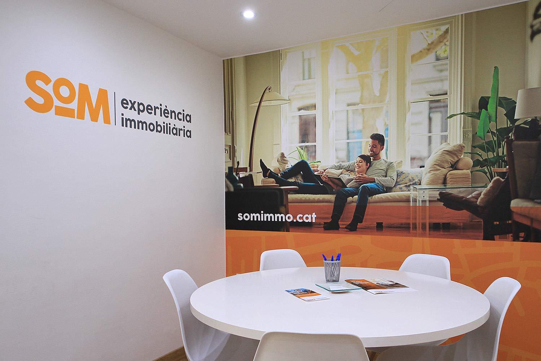 disseny branding immobiliaria - Proyecto de comunicación, diseño y branding 360º