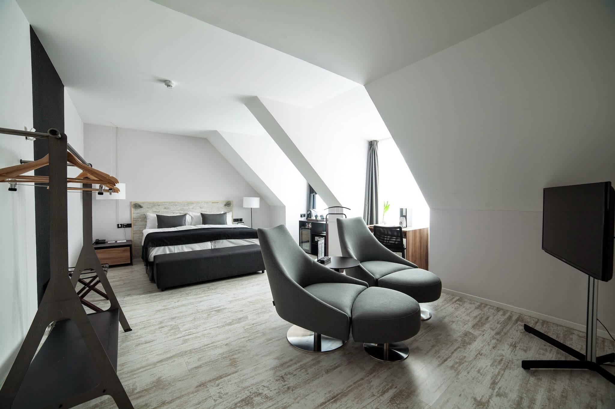 Hotel berlin graphic design - Comunicación para el nuevo Hotel Berlin Mitte