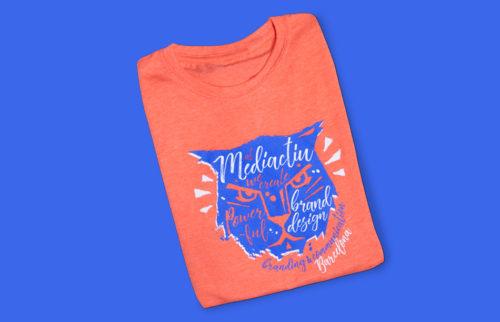 camiseta branding diseno grafico barcelona 500x322 - Camiseta Powerful Brand Design