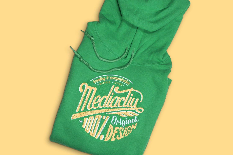 dessuadora estudi branding mediactiu barcelona - Dessuadora 100% Original Design