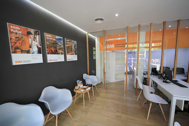 disseny branding iestudi barcelona - Proyecto de comunicación, diseño y branding 360º