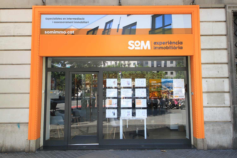 estudi barcelona branding immobiliaria - Proyecto de comunicación, diseño y branding 360º
