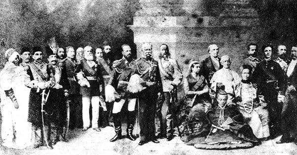 soberanos del mundo - Un pequeño paseo por la historia del retoque fotográfico