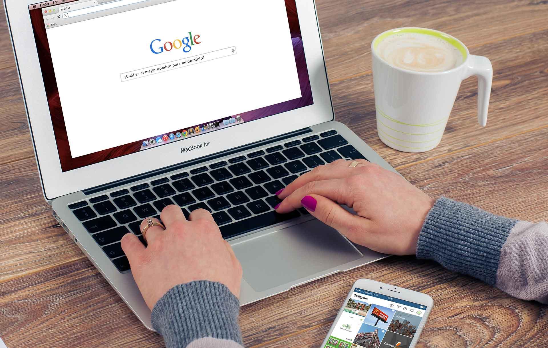 crear pagina web barcelona - 4 Consejos para elegir el dominio correcto para tu web