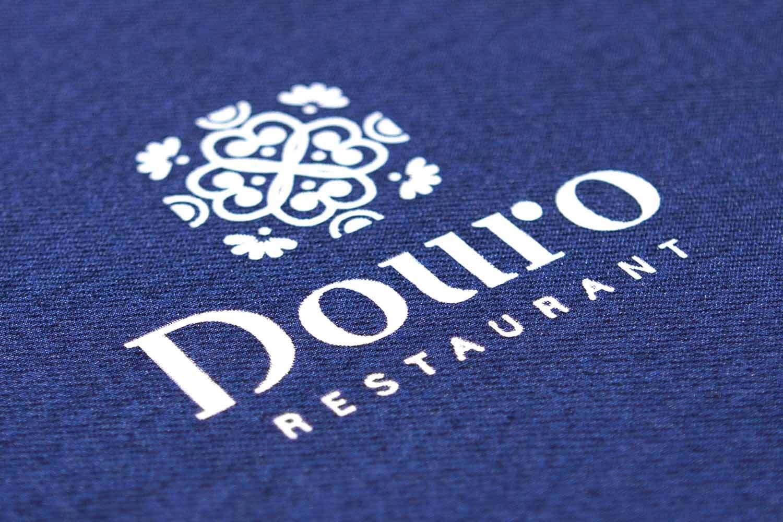 diseno de logo para restaurante copia - En el detalle esta la diferencia y con acabados especiales se consigue