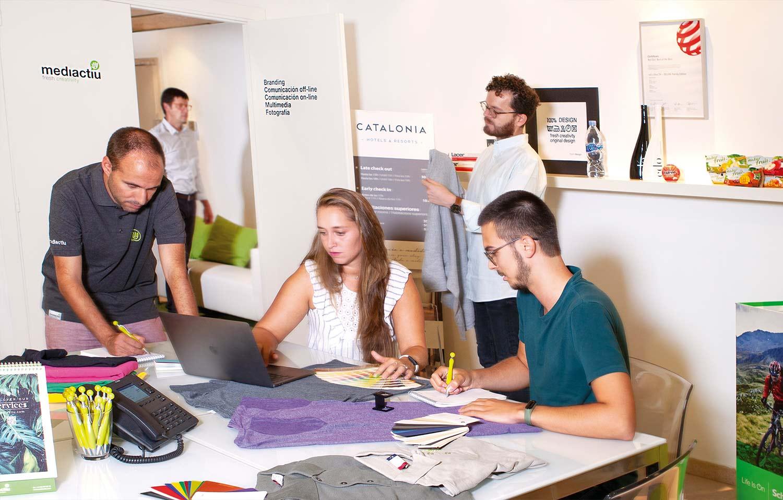 aplicacion de branding merchandising corporativo - Impresión textil, un universo de posibilidades